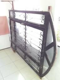Porta de Ferro Com Vidro Usada.