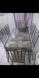Título do anúncio: Mesa com 6 cadeiras almofadadas.