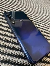 Título do anúncio: Moto G8 Plus 64 GB  cosmic blue 4 GB ram