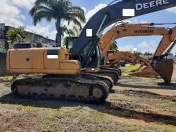 escavadeira hidráulica marca John Deere modelo 210G