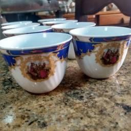 Título do anúncio: Conjunto de xícaras antigas