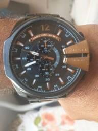 Título do anúncio: Relógio diesel original novo completo pra vender logo zap *