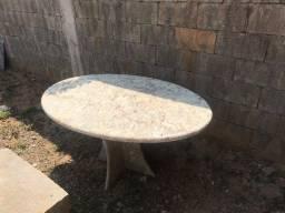 Título do anúncio: Vendo Mesa oval Granito importado