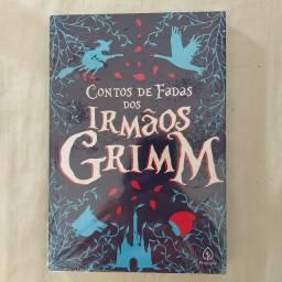 Livro Contos de fadas dos irmãos Grimm