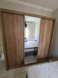 Guarda Roupas com espelho, 3 portas de  correr