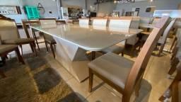 Título do anúncio: Mesa de madeira e acabamento laka luxo 8 lugares