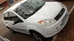 Fiesta Sedan 1.0 com ar condicinado, super conservado, financia com pouca entrada - 2008
