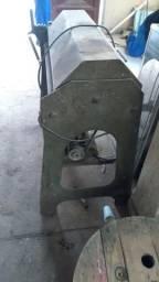 Máquina de desbobinadeira e indireitadeira de vergalhões de obras e arames
