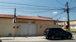 Casa seminova com 3 quartos (1 suíte), 1 vaga, Jardim América
