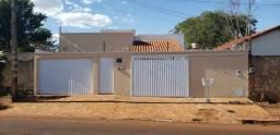 Vende casa 4 quartos sendo 2 suítes, Quirinópolis.