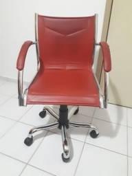 Cadeira de escritório R$ 140,00 Escrivaninha R$ 140,00