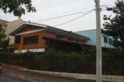 Ótima casa com 350 m² na Otto bem próxima do Zaffari e Wenceslau Escobar