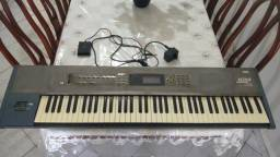 Teclado Korg Workstation N264