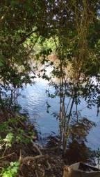Fazendinha as margens do Rio Para em Piracema