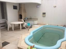 Casa Duplex na Glória com 4 quartos sendo 01 suíte, piscina, churrasqueira.
