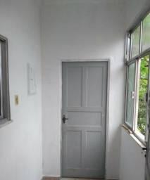 Apartamento 2/4 - Praça do Carmo - R$ 800,00