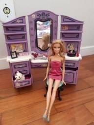 Barbie com salão de cabeleireiro