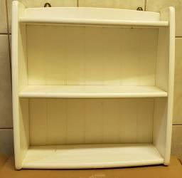 Armário branco suspenso - usado