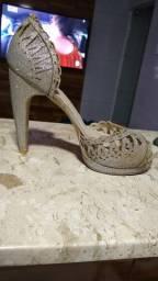 Doação- sandália salto alto, cor prata