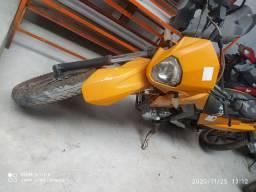 Vende-se ou troco moto sucata