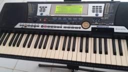 Vendo teclado Yamaha 540 bom estado de conservação pelo o tempo de uso