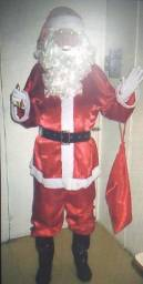 Alugo Fantasia completa  do Papai Noel. Ligar: (16)3019-0280