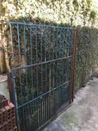 Portão / grade de ferro