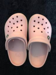 Crocs tamanho 34