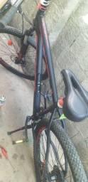 Vende se uma bicicleta oggi aro 29 semi nova pouco usada