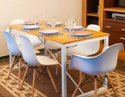 Conjunto de mesa estilo industrial + 6 cadeiras.