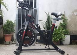 Bicicleta Ergométrica Kikos para Spinning F5I - Preto<br><br>