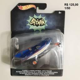 Título do anúncio: Hot Wheels Batmovel Batcoptero Tumbler Batcycle Batlancha varios modelos 1/50