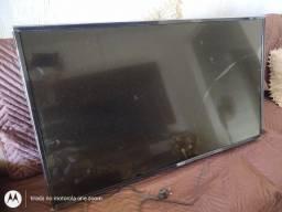 Vendo 1 TV LG 43 smart com a tela quebrada