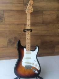 Título do anúncio: Guitarra Fender 70?s Stratocaste reedição  com upgrades