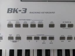 Teclado Arranjador Roland BK-3 Branco - Oportunidade única.