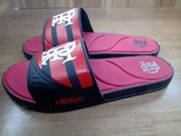 Título do anúncio: Sandália do Flamengo tamanhos 42/43