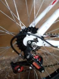 Bicicleta aro 26....preço 350 reais + *