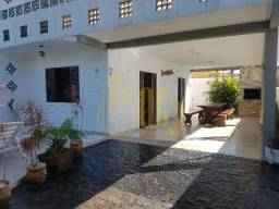 Casa com Piscina no Centro - Guaratuba