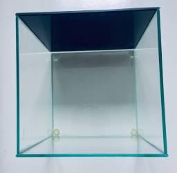 Aquário cubo 8 litros leia descrição