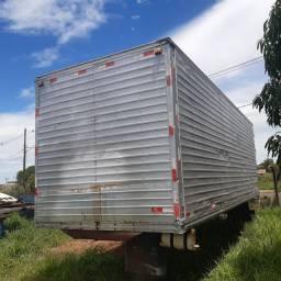 Baú de Alumínio,  7,80 mts , para caminhão truck.