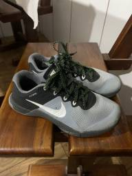 Tênis Nike Metcoon 2