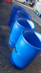 JR Tambores - Lixeiras Plástico Com Alça Sem Tampa - 200 Litros