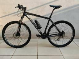 """Título do anúncio: Bicicleta Aro 29 Quadro 21"""" First com Freio Hidráulico e 24 Velocidades"""