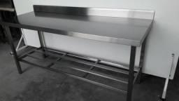 Mesa com espelho de parede e grade - Preço imbativel