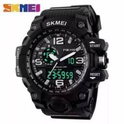 Relógio Skmei ( estilo G-shock )