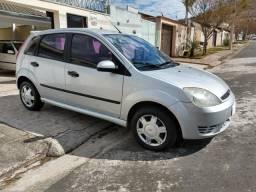 Vende-se Ford Fiesta 1.6 Flex 2004/2005 - 2004 comprar usado  Poços De Caldas