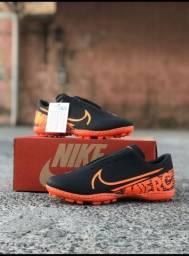 Chuteira Nike Black Orange