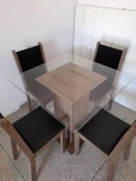 Mesa com 4 cadeiras entrego