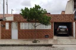 Casa a venda no Condomínio Pau Cetim, Feitosa,03 quartos, 01 suíte
