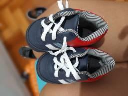 4 pares de sapato super conservados